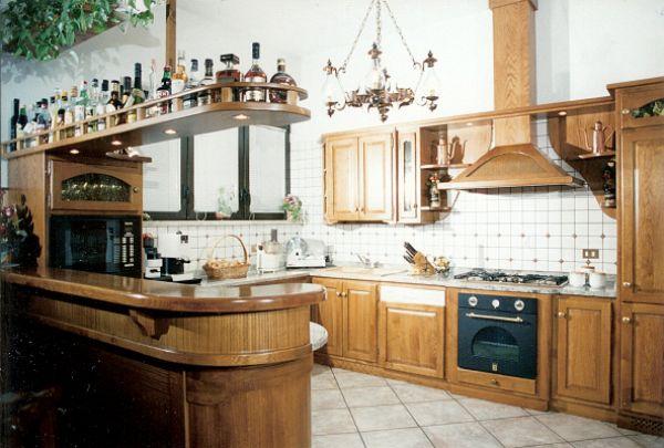 Cristofoli Arredamenti e Scale - Cucine - Cucina con banco bar