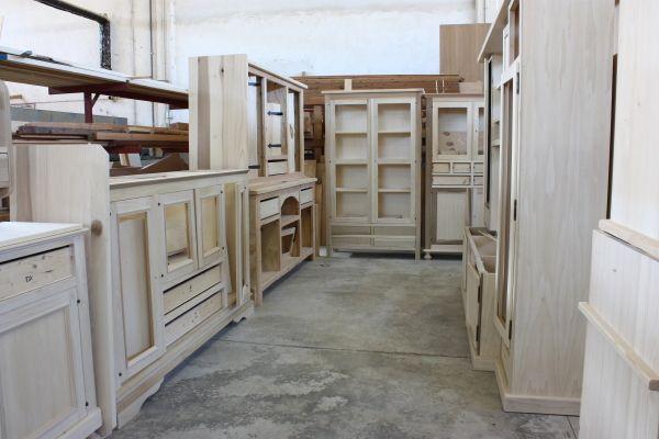 Cristofoli arredamenti e scale soggiorni mobili grezzi for Arredamenti a verona