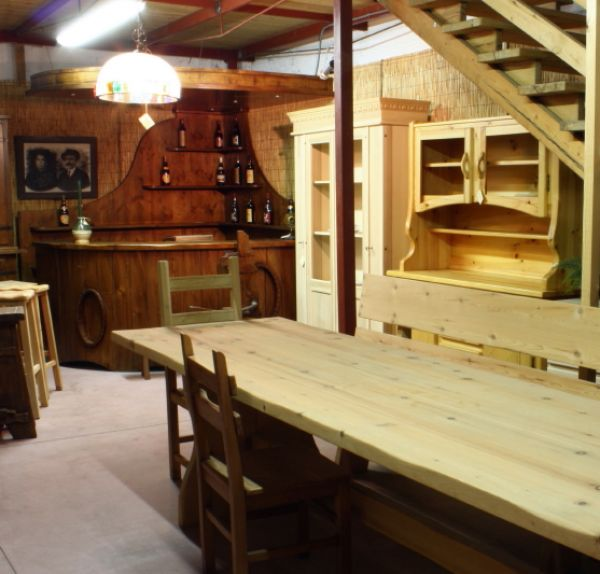 Favoloso tavoli rustici per taverna kq18 pineglen for Ap arredamenti